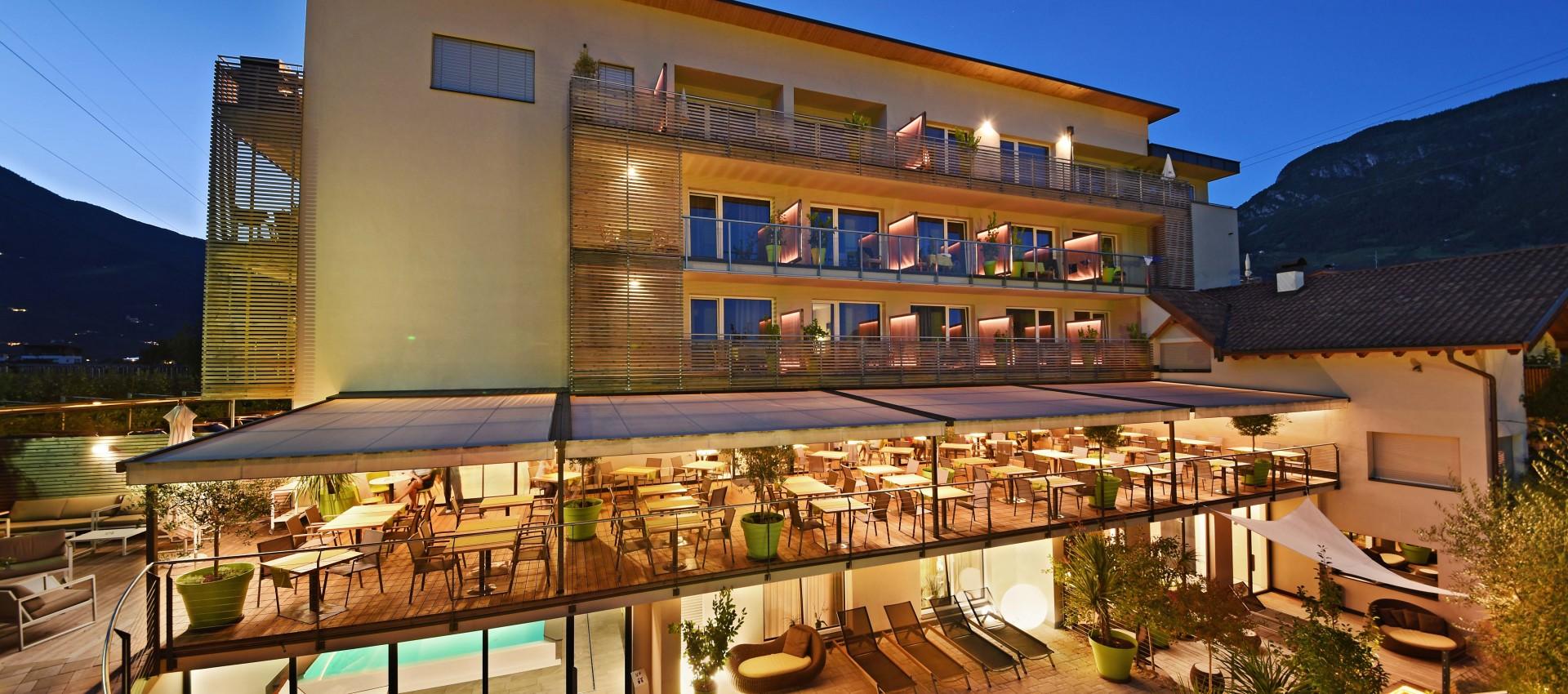 Hotel Pfeiss in Lana - Südtirol - Meran - Abendaufnahme