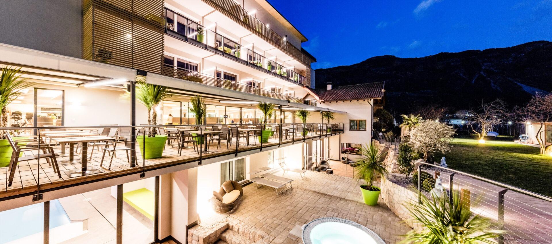 Südansicht 4 Sterne Hotel in Lana Pfeiss - Meran - Südtirol