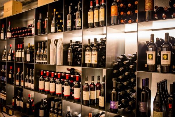 Weinkeller im Hotel Pfeiss bei Meran - Genuss in Lana - Südtirol